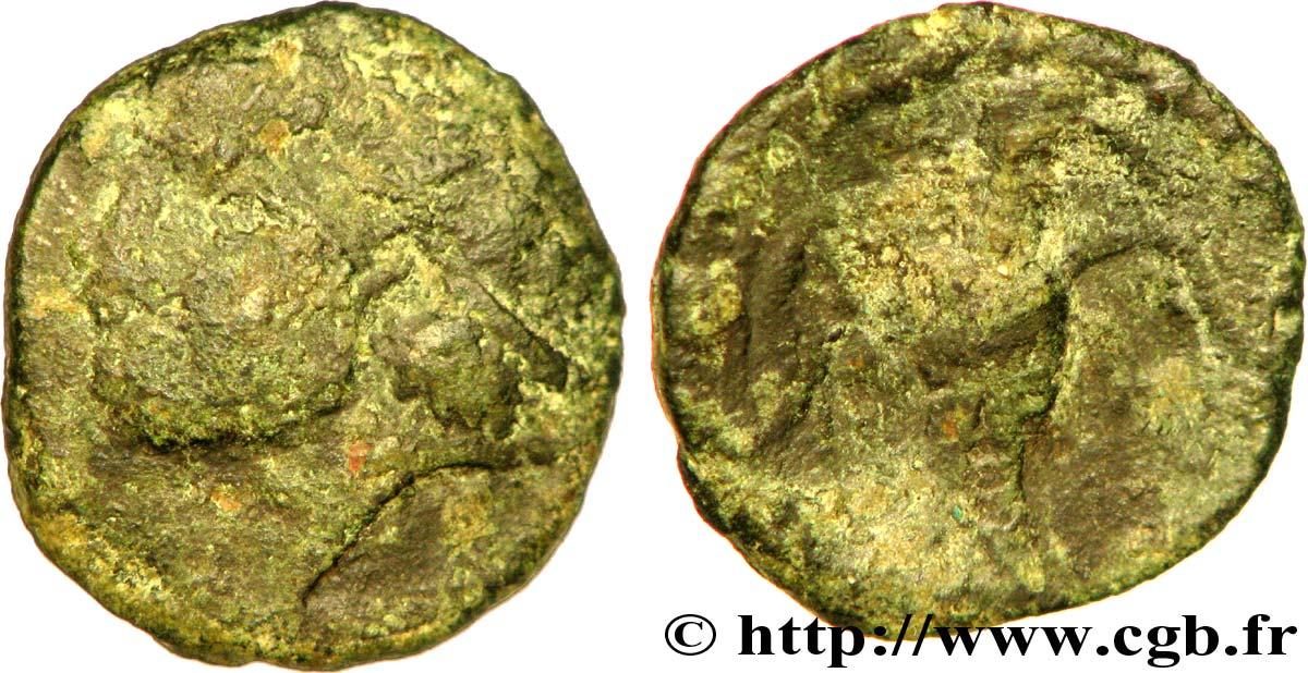 BELLOVAQUES (Région de Beauvais) Bronze à la tête casquée, à l'aigle de face
